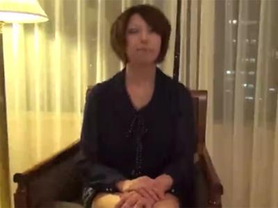 五十路_美魔女_フェラチオ_中出し_adaruto動画01