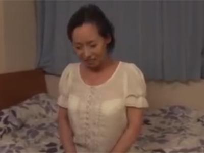 六十路_高齢熟女_フェラチオ_中出し_adaruto動画01