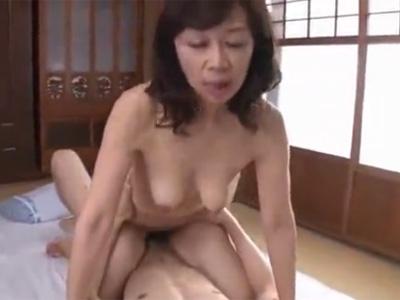 五十路_熟女_初撮り_口内射精_adaruto動画08