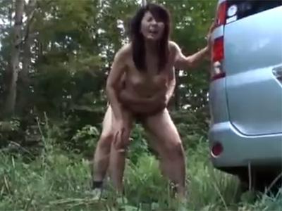 近親相姦_五十路母親_野外セックス_adaruto動画09