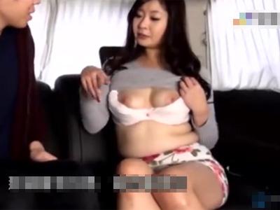 三十路_ナンパ_巨乳_フェラチオ_パイズリ_口内射精_adaruto動画02