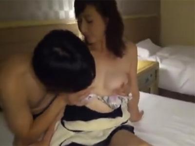 五十路_AV撮影_フェラチオ_セックス_パイ射_adaruto動画03