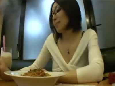四十路_団地妻_フェラチオ_セックス_パイ射_adaruto動画01