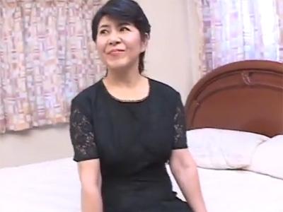 還暦熟女_フェラチオ_3P_中出し_adaruto動画01