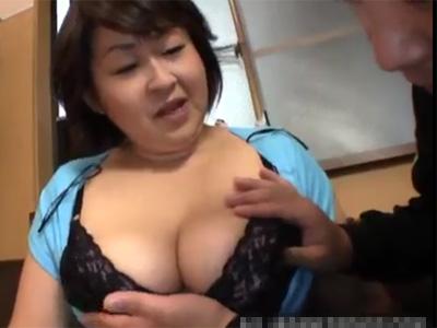ぽっちゃり_爆乳_パイズリ_フェラチオ_手コキ_adaruto動画02