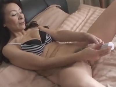 近親相姦_お婆ちゃん_オナニー_セックス_胸射_adaruto動画02