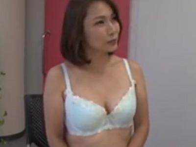 四十路_AV面接_美魔女_素人_セックス_顔射_adaruto動画02