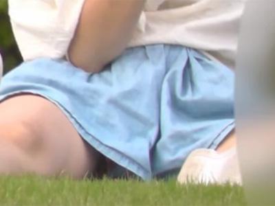 盗撮_パンチラ_胸チラ_子連れママ_公園_adaruto動画06